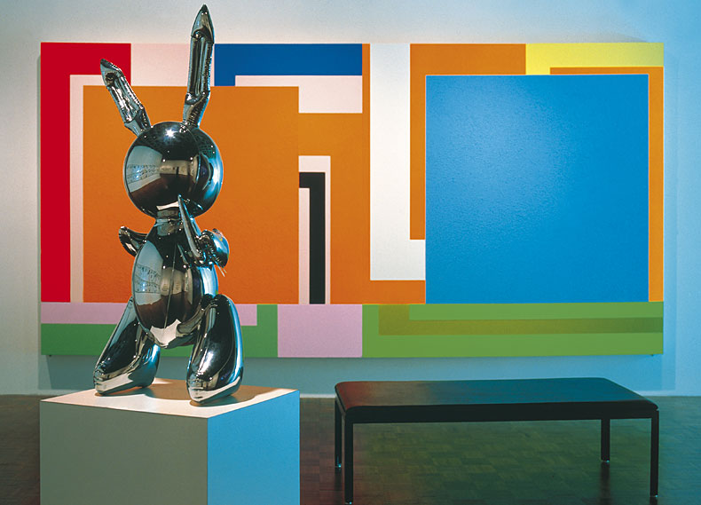 Louise Lawler: (Bunny), Sculpture and Painting, 1999, Cibachrome, 120,7 x 167,6 cm, Edition 5, Courtesy Sprüth Magers